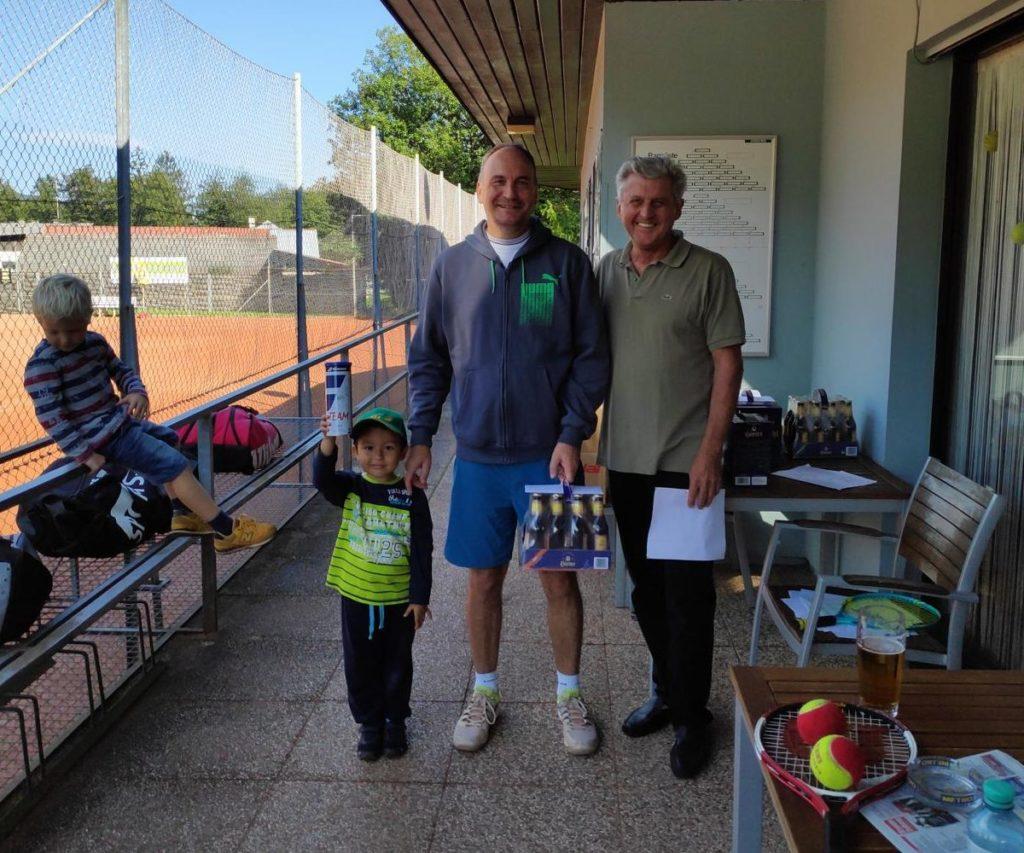 Sieger des Herren +45 Bewerbes: Christian Forstner, 2. Platz: Knut Zywietz (nicht am Bild)
